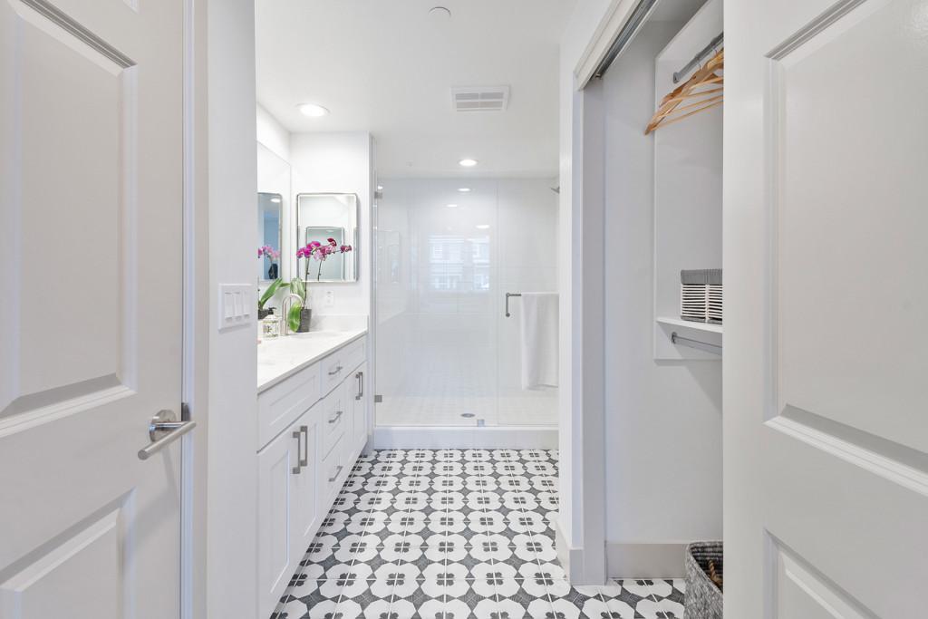 arrive-los-carneros-2-apartment-homes-for-rent-goleta-ca-93117-bathroom-and-closet