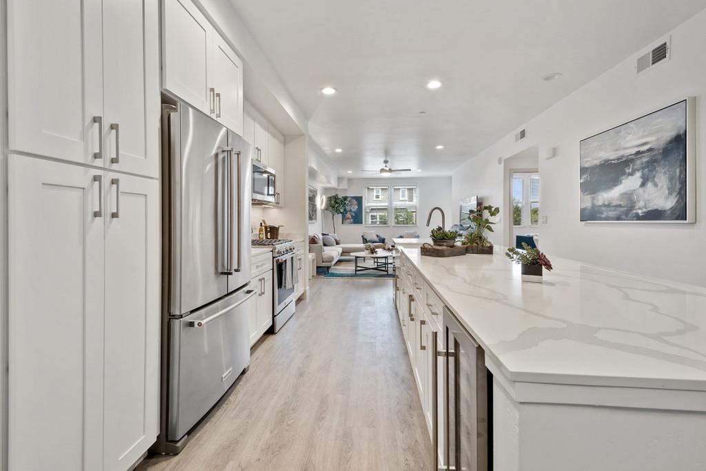 arrive-los-carneros-2-apartment-homes-for-rent-goleta-ca-93117-kitchen (2)